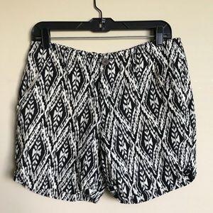 Cynthia Rowley | 100% Linen Boho Aztec Shorts Sz 8